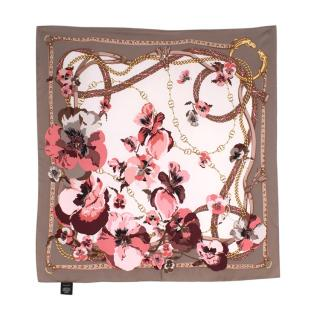 Gucci Supreme Oshibana Flowers Chain Print Square Silk Scarf