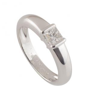 Van Cleef & Arpels White Gold Diamond Solitaire Ring