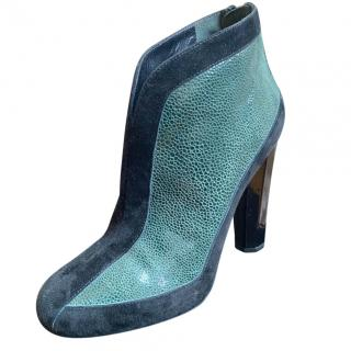 Aperlai suede & leather green ankle boots