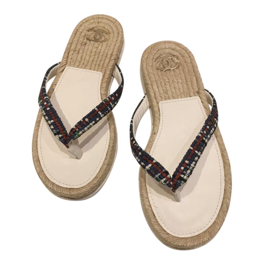 Chanel White/Black Tweed Thong Sandals