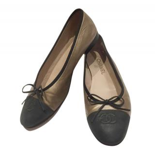 Chanel Bi-Colour Leather Ballerina Flats