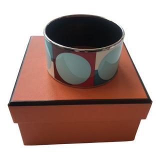 Hermes Abstract Print Enamel Wide Bangle PHW size 65