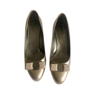 Salvatore Ferragamo Gold Vara Bow Low Heel Pumps
