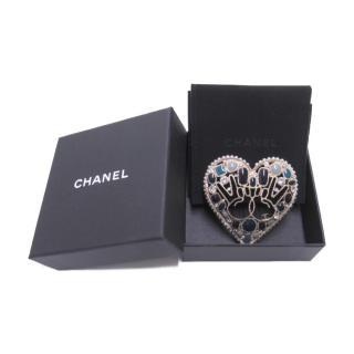 Chanel Gripoix Peace Runway Heart Brooch