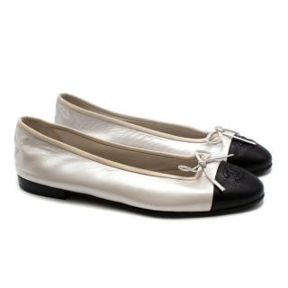 Chanel White & Black Leather CC Ballerina Flats