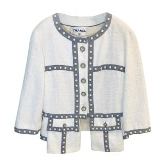 Chanel Faux Pearl Trim White Boucle Tweed Jacket