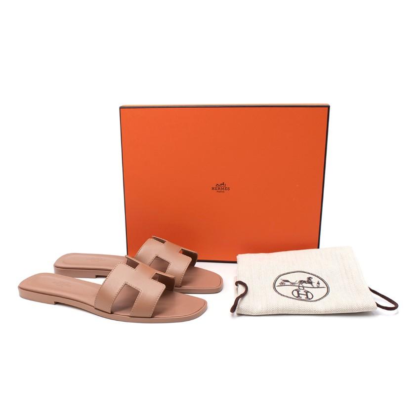 Hermes Bois de Santal Calfskin Oran Sandals - Rare Colourway
