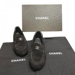 Chanel Black Suede Chain Trim CC Loafers