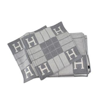 Hermes Avalon III Signature H Throw Blanket & 2 Small Pillow Covers