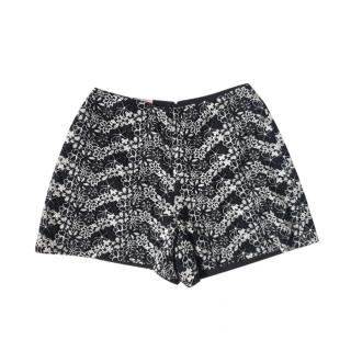 Giamba embroidered floral lace shorts