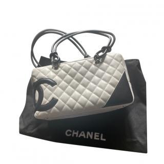 Chanel Vintage White/Black Cambon Zip Around Tote