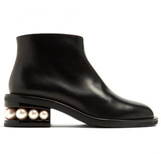 Nicholas Kirkwood Black Casati faux pearl-heeled leather ankle boots