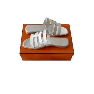 Hermes Sold Out White Leather Amore Flat Sandals