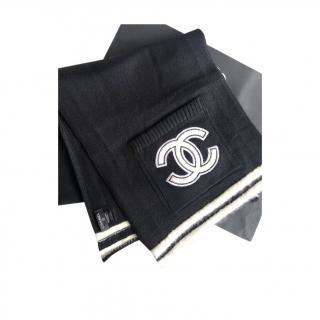 Chanel Black & White Cashmere Stole