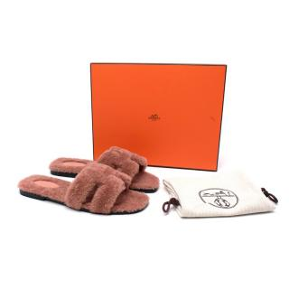 Hermes Rose Oran 38 Shearling Sandals