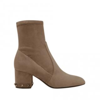 Valentino Garavani The Rockstud Suede Ankle Boots
