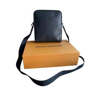 Louis Vuitton Black Taiga Leather Alex BB Crossbody Bag