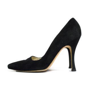 Manolo Blahnik black suede pointer pump heels