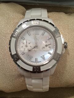 Gc ceramic watch - white