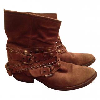 Russel and Bromley Boots