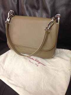 Ferragamo AdeleBeautiful khaki green large leather handbag