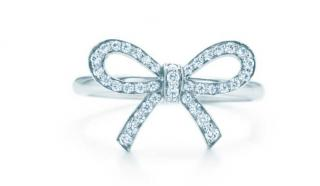 Tiffany & Co platinum bow ring with diamonds