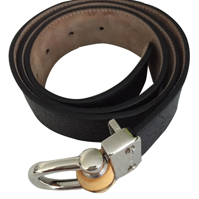 Ladies Gucci belt