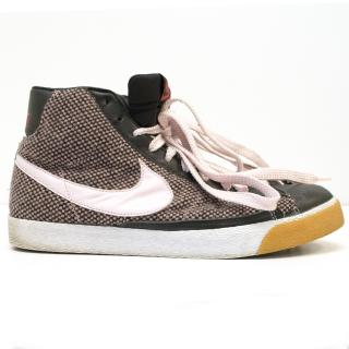Nike 'Blazers' in Pink and Black