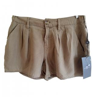7 for all mankind new beige shorts