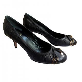 Dior elegant black heels with Dior with gold metal