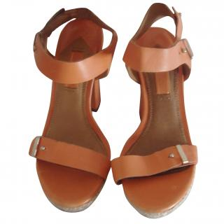 Uterque Orange Plaform Shoes