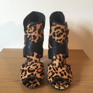 POUR LA VICTOIRE leopard print pony skin peep toe boots