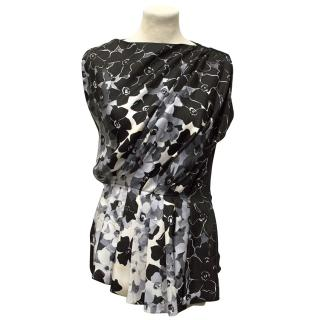 Vionnet Sleeveless Top with White and Silver Prints