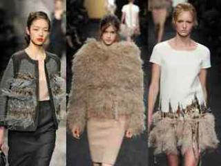 ALESSANDRO DELL'ACQUA Marabou Feather Nude Fur Runway Jacket Size 42