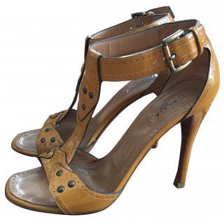Azzedine Ala�a patent leather t-bar sandals