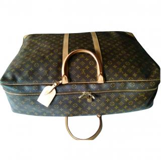 Louis Vuitton SIRIUS SOFT-CASE Monogram Canvas & leather