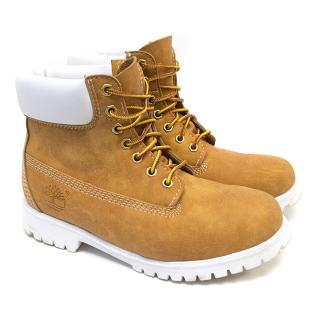 Timberland Leather Boots with White Trim Unisex size 40 European