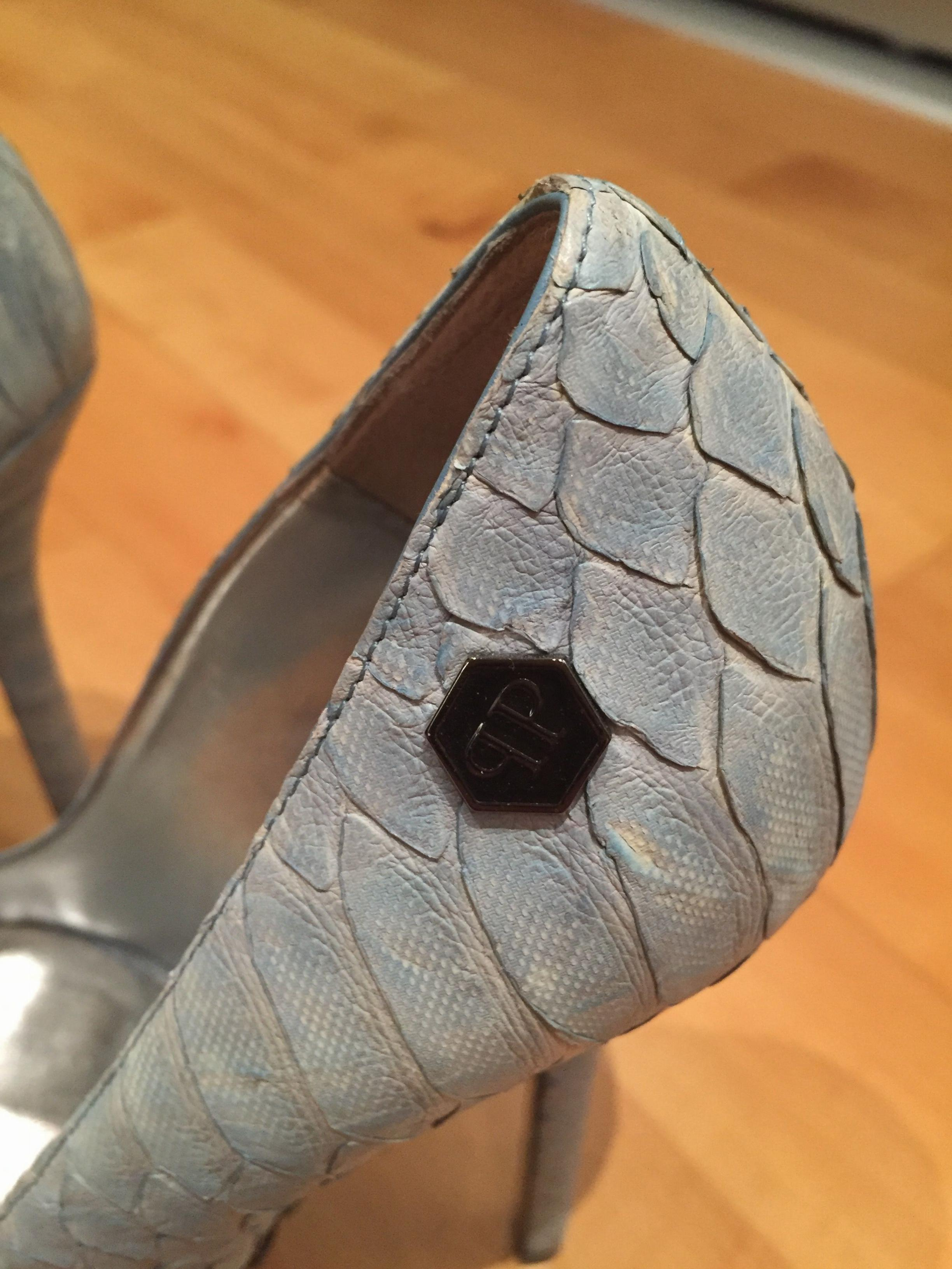 Blue snakeskin high heel shoes in NR30 Yarmouth for £15.00