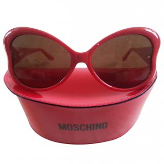 Moschino Heart Shaped Sunglasses in Red