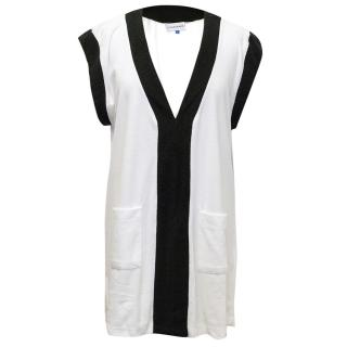 Solid and Striped black and white towel top