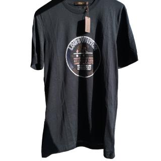 Louis Vuitton Men's T-Shirt