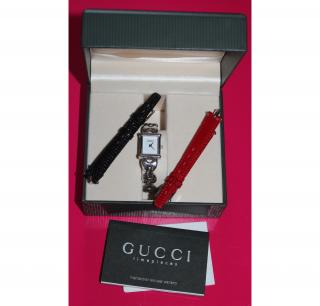 RARE VINTAGE GUCCI WATCH WITH INTERCHANGEABLE STRAPS