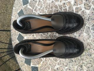 D&G black leather pumps size 36