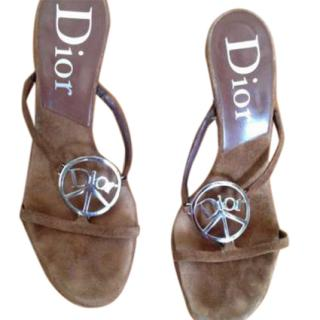 Amazing Dior peace&love suede sandals with silver hardware