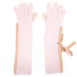 Luxury boutique pink cashmere gloves