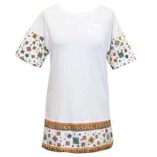 Nike T-Shirt with Multicoloured Sleeves and Lower Panel