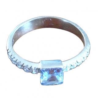 Whitegold 14 k ring with topaz