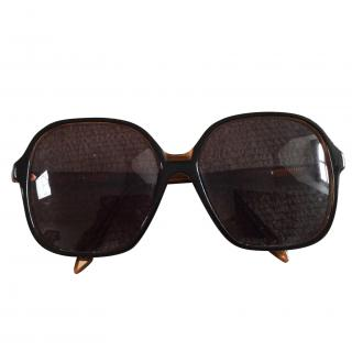 Victoria Beckham Square Black Tort Sunglasses