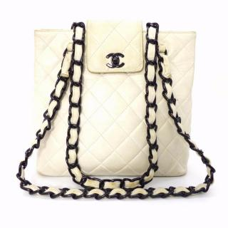 Chanel White / Ivory Quilted Leather Shopping Bag