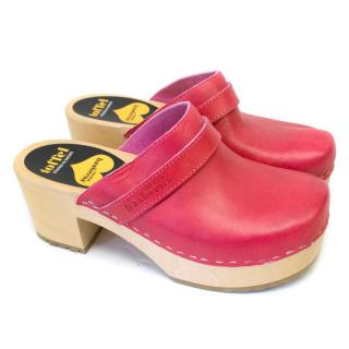 Toffel Pink Leather Clogs